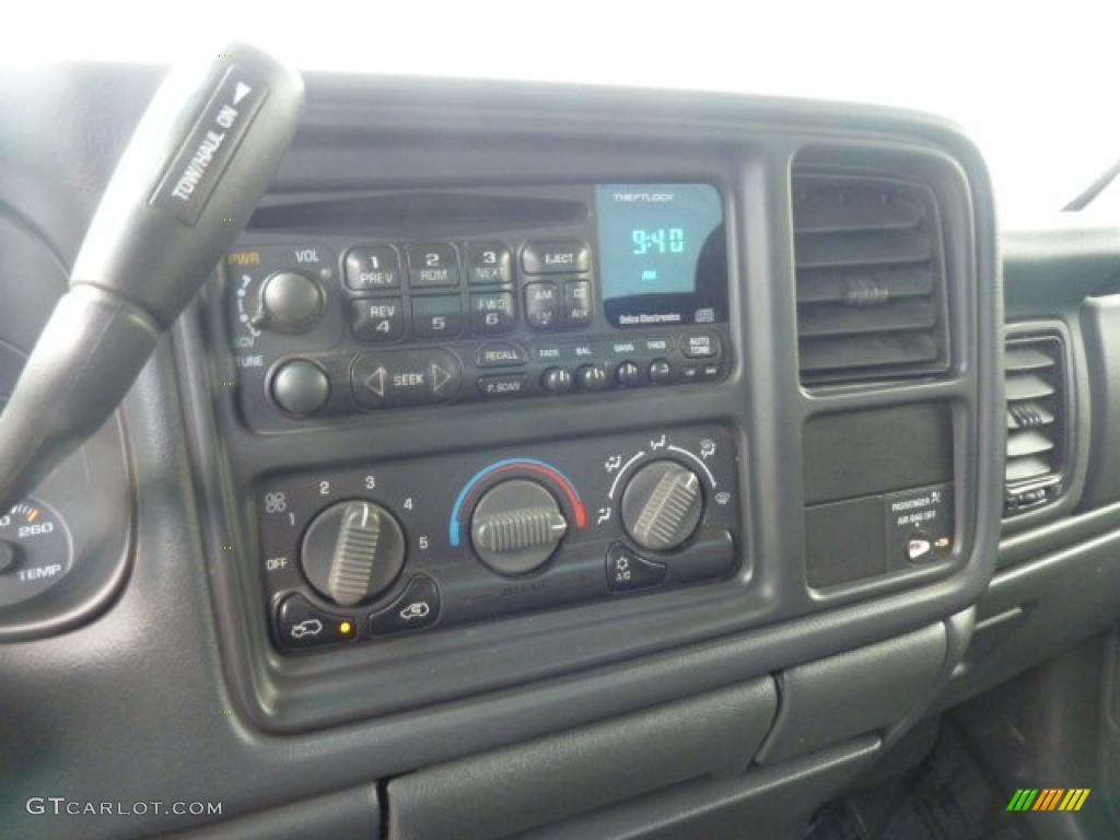 2002 Silverado 1500 LS Extended Cab 4x4 - Onyx Black / Graphite Gray photo #23