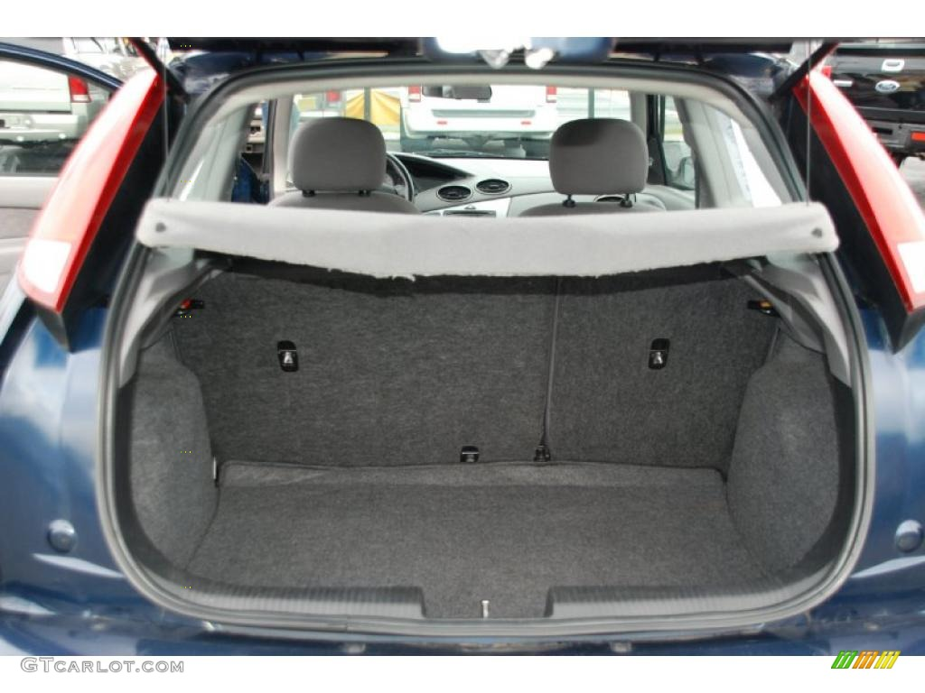 2003 ford focus zx3 coupe trunk photo 47303507. Black Bedroom Furniture Sets. Home Design Ideas