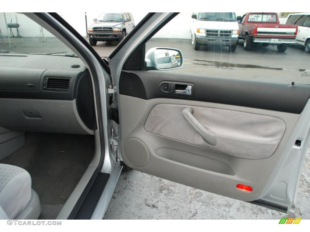 2003 Volkswagen Jetta Gls 1 8t Wagon Grey Door Panel Photo 47303816