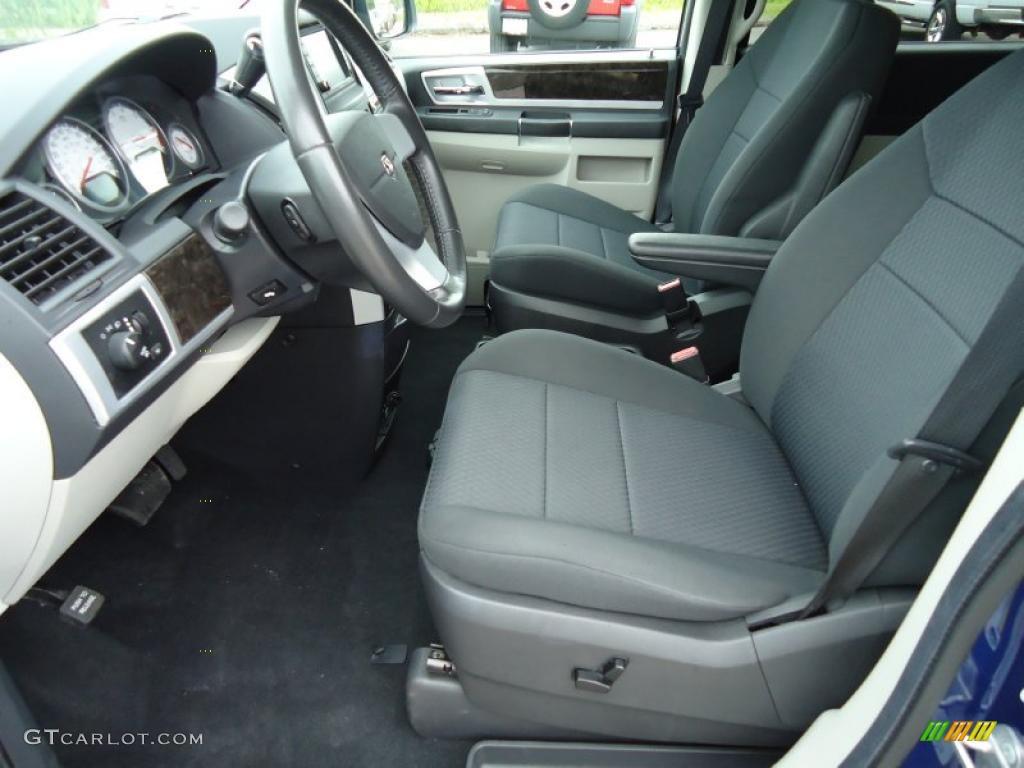 Dark Slate Gray Light Shale Interior 2010 Dodge Grand Caravan Sxt Photo 47309819