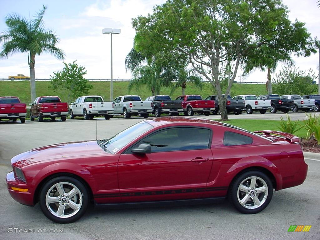2006 Mustang V6 Premium Coupe - Redfire Metallic / Dark Charcoal photo #6