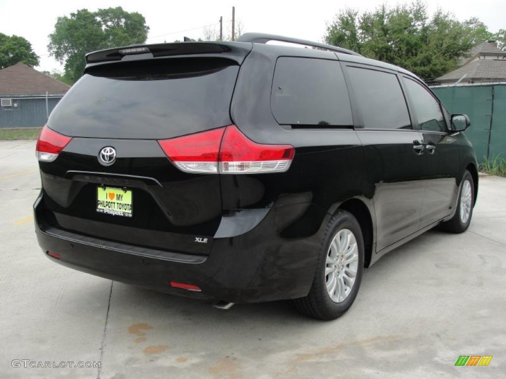Black 2011 Toyota Sienna Xle Exterior Photo 47313224