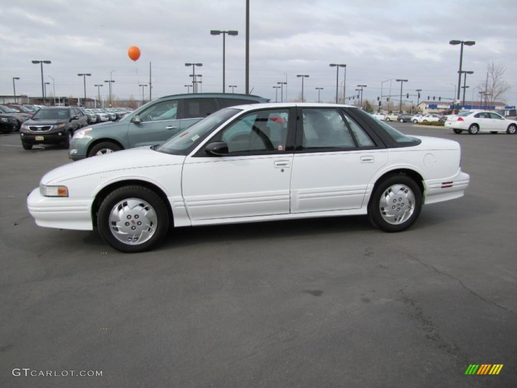 1997 bright white oldsmobile cutlass supreme sl sedan 47292437 gtcarlot com car color galleries gtcarlot com