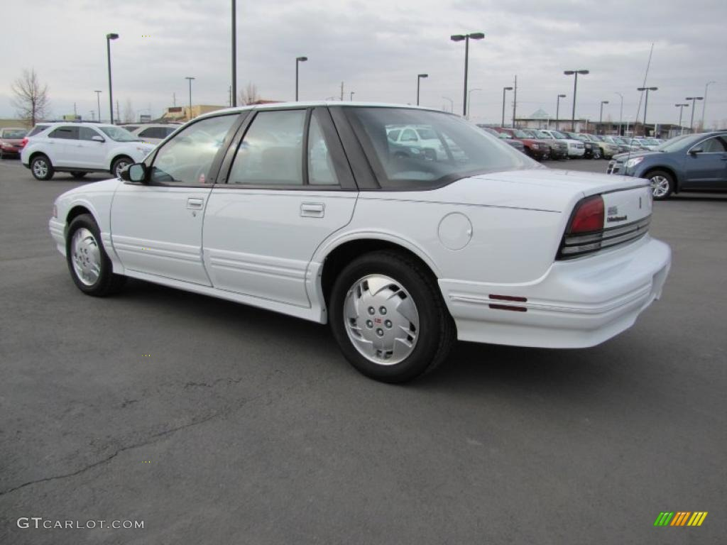 1997 bright white oldsmobile cutlass supreme sl sedan 47292437 photo 9 gtcarlot com car color galleries gtcarlot com