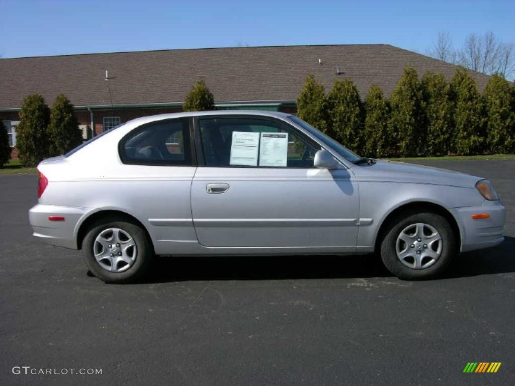 silver mist 2004 hyundai accent coupe exterior photo. Black Bedroom Furniture Sets. Home Design Ideas