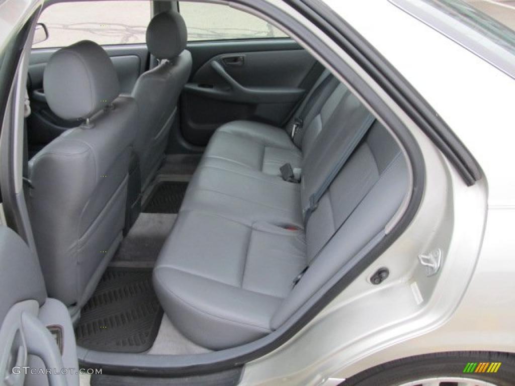 Gray Interior 2000 Toyota Camry XLE V6 Photo 47366756