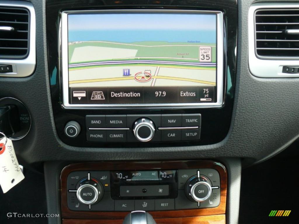 2011 volkswagen touareg v6 tsi 4xmotion hybrid navigation. Black Bedroom Furniture Sets. Home Design Ideas