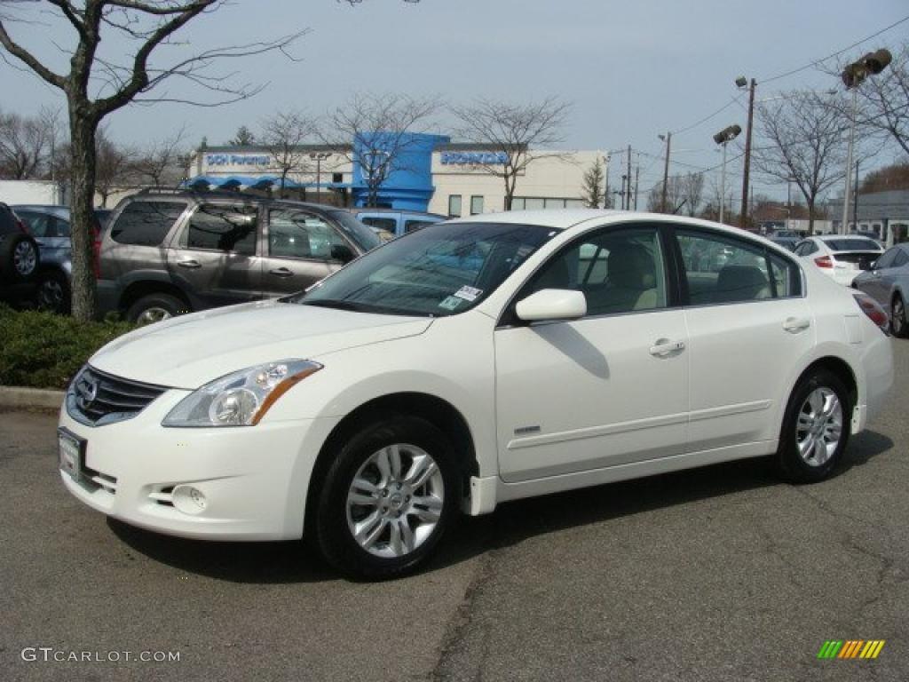2010 Winter Frost White Nissan Altima Hybrid 47351339
