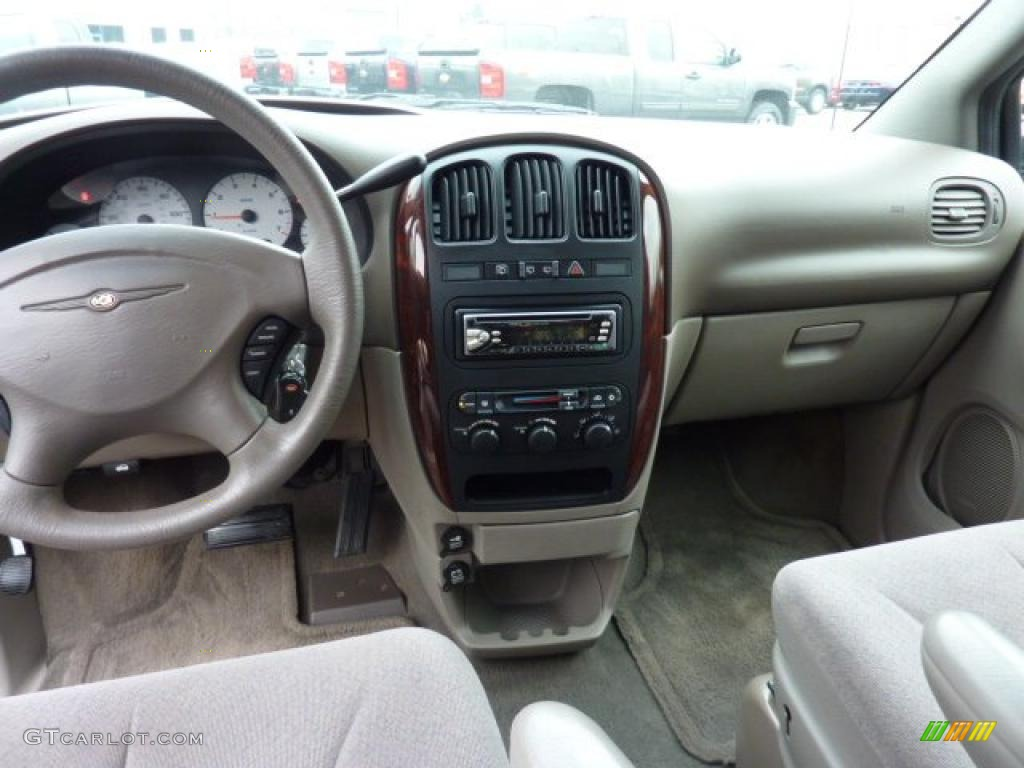 2001 Chrysler Town Country Lx Taupe Dashboard Photo 47405684