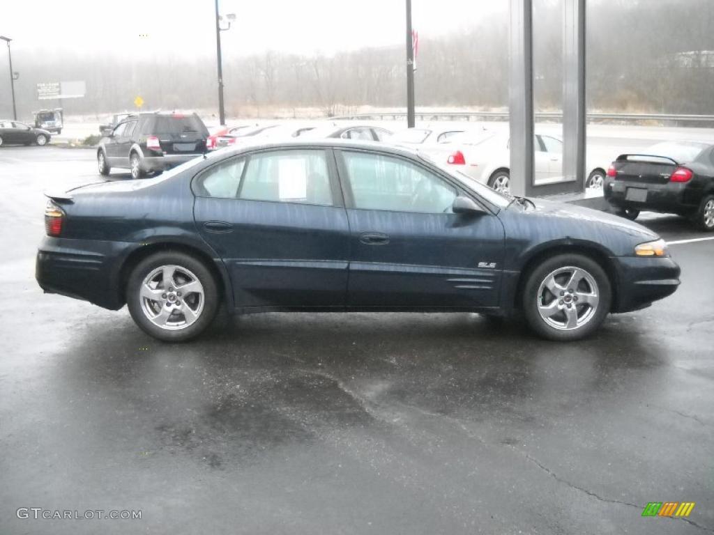 Dark blue metallic 2002 pontiac bonneville sle exterior photo 47406947