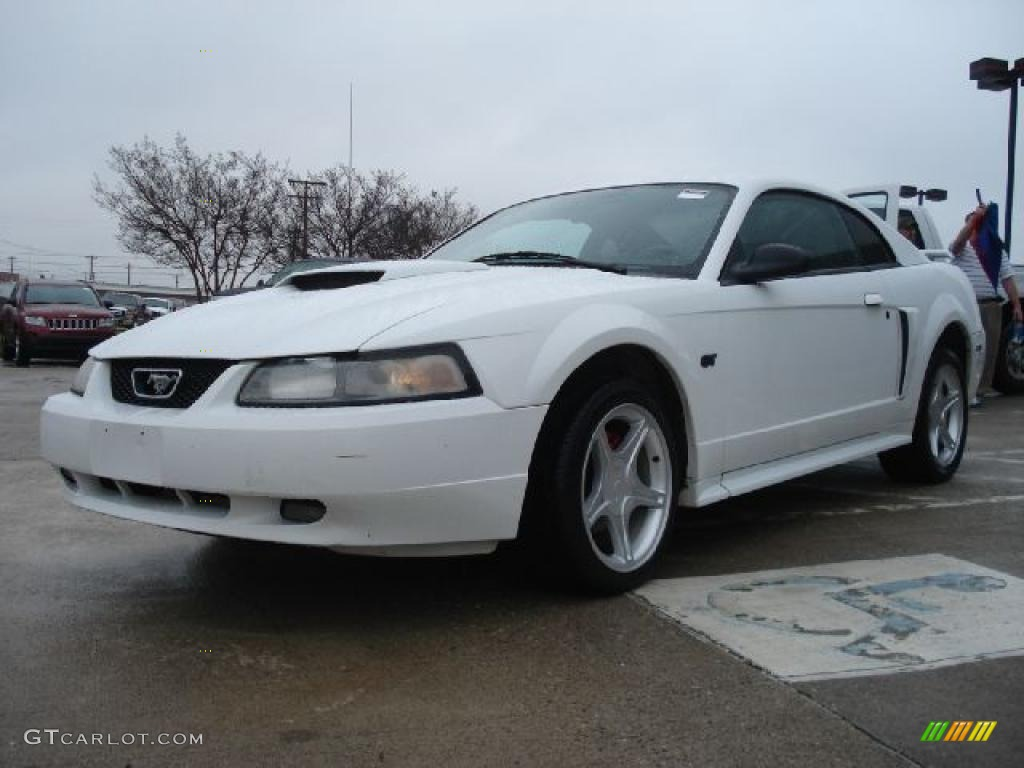 Oxford White 2001 Ford Mustang Gt Coupe Exterior Photo