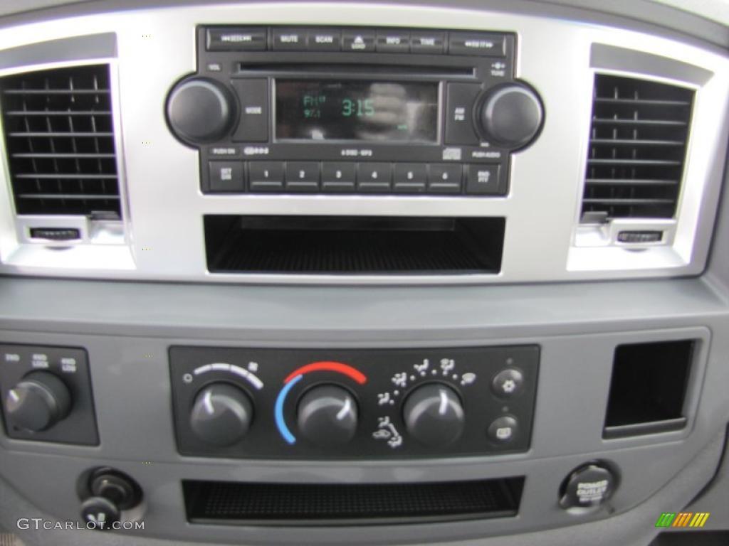 2007 Dodge Ram 1500 SLT Mega Cab 4x4 Controls Photo #47414990