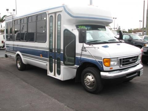2003 Ford E Series Van E450 Special Access Bus Data Info And Specs Gtcarlot Com