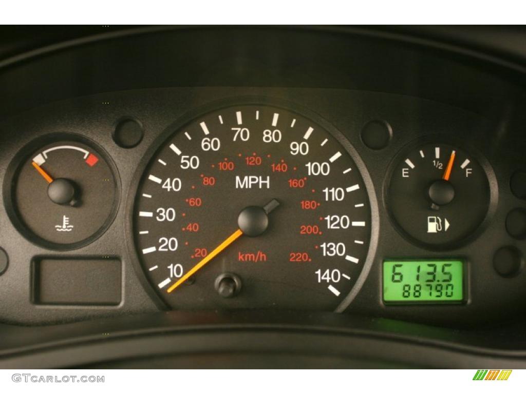 2002 Ford Focus SE Sedan Gauges Photo #47448223