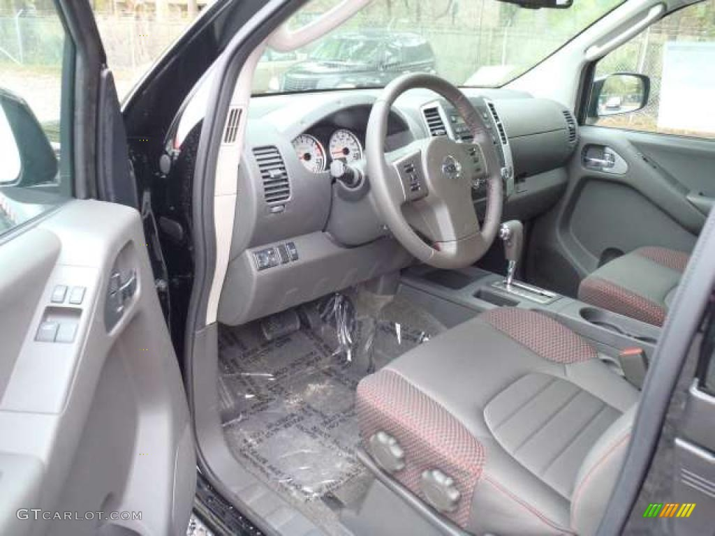 2011 Nissan Frontier Pro 4x King Cab Interior Photos