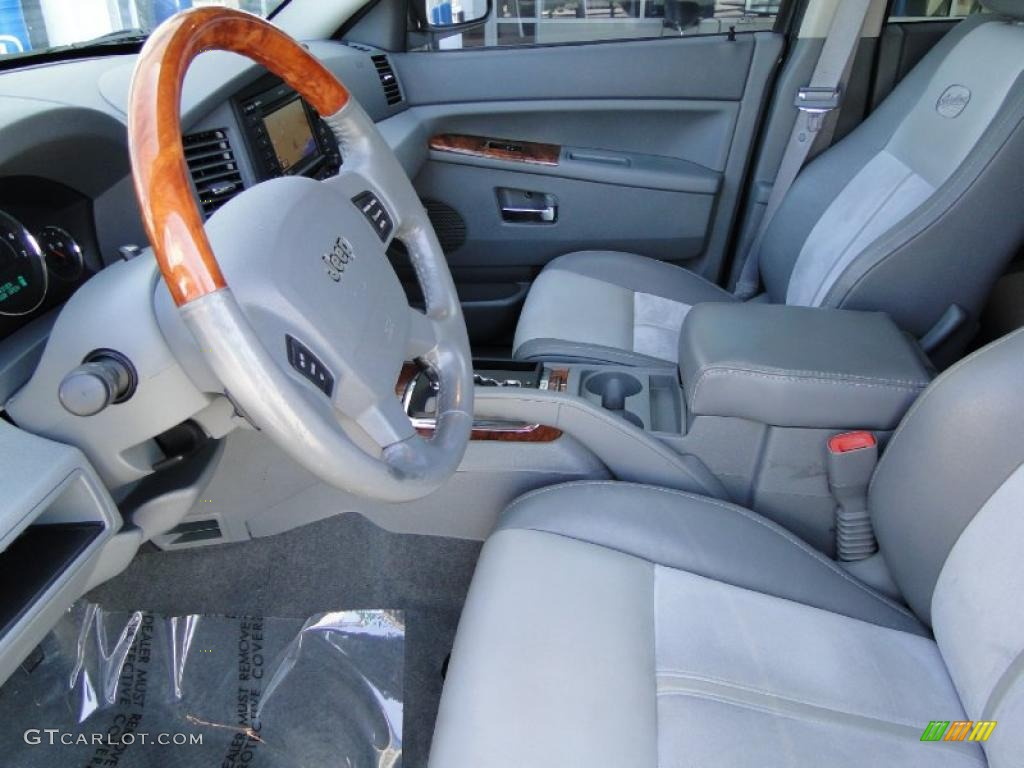 2007 Jeep Grand Cherokee Overland CRD 4x4 Interior Photo #47461747