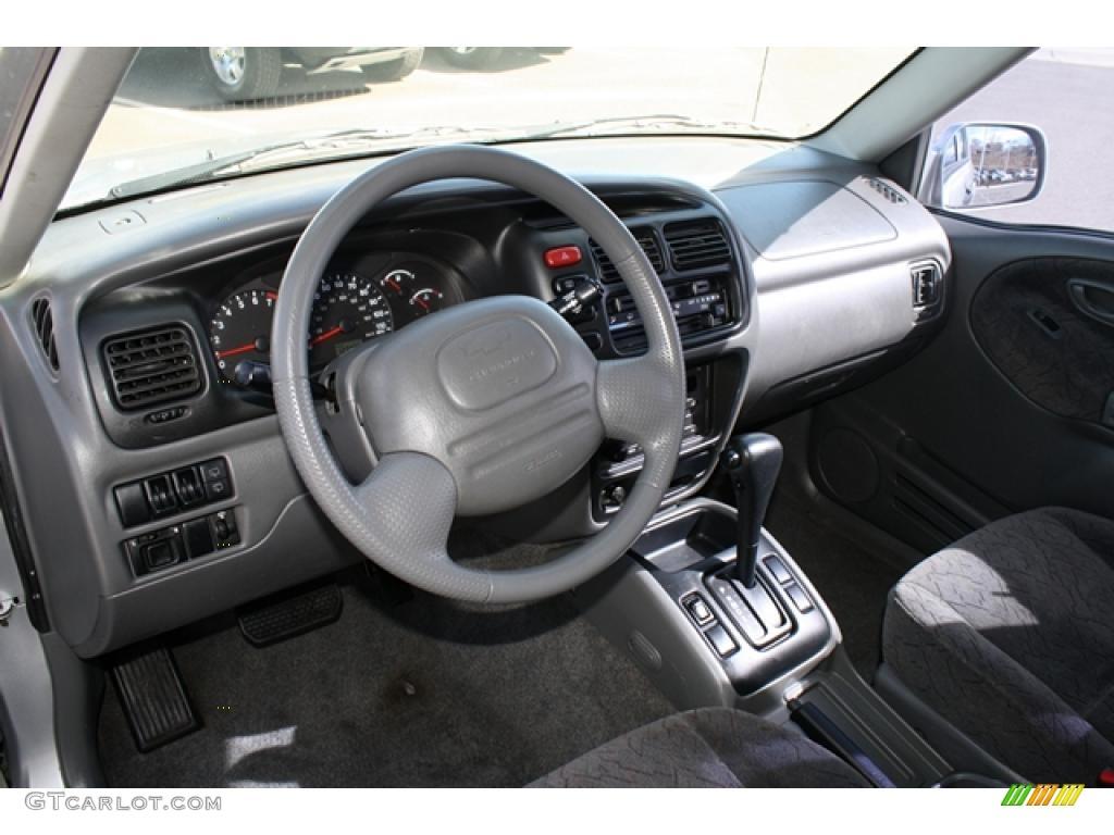 2002 chevrolet tracker lt hard top interior color photos