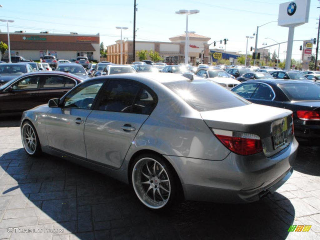 silver grey metallic 2007 bmw 5 series 530i sedan exterior photo