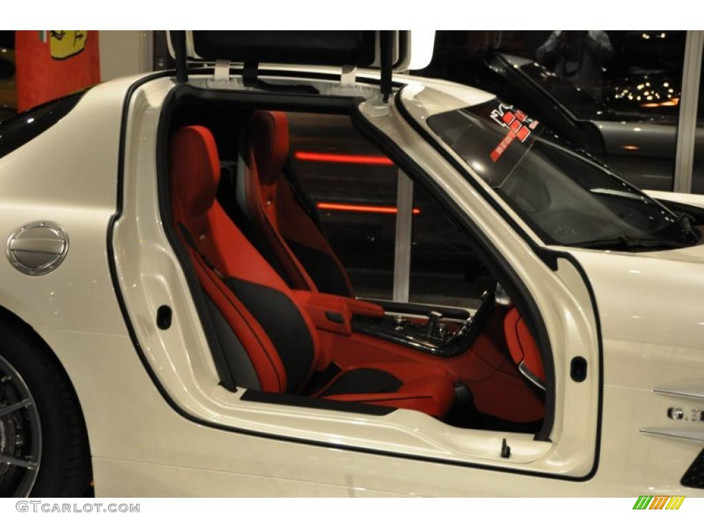 Designo classic red and black two tone interior 2011 for Mercedes benz sls amg red