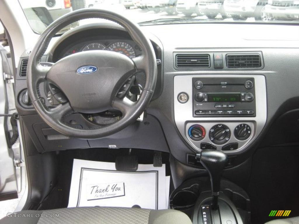 2006 ford focus zx5 ses hatchback charcoal charcoal for Ford focus 2006 interieur