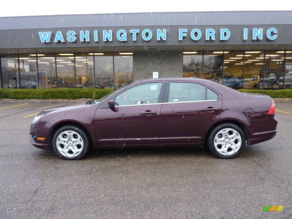 Bordeaux Reserve Metallic Ford Fusion