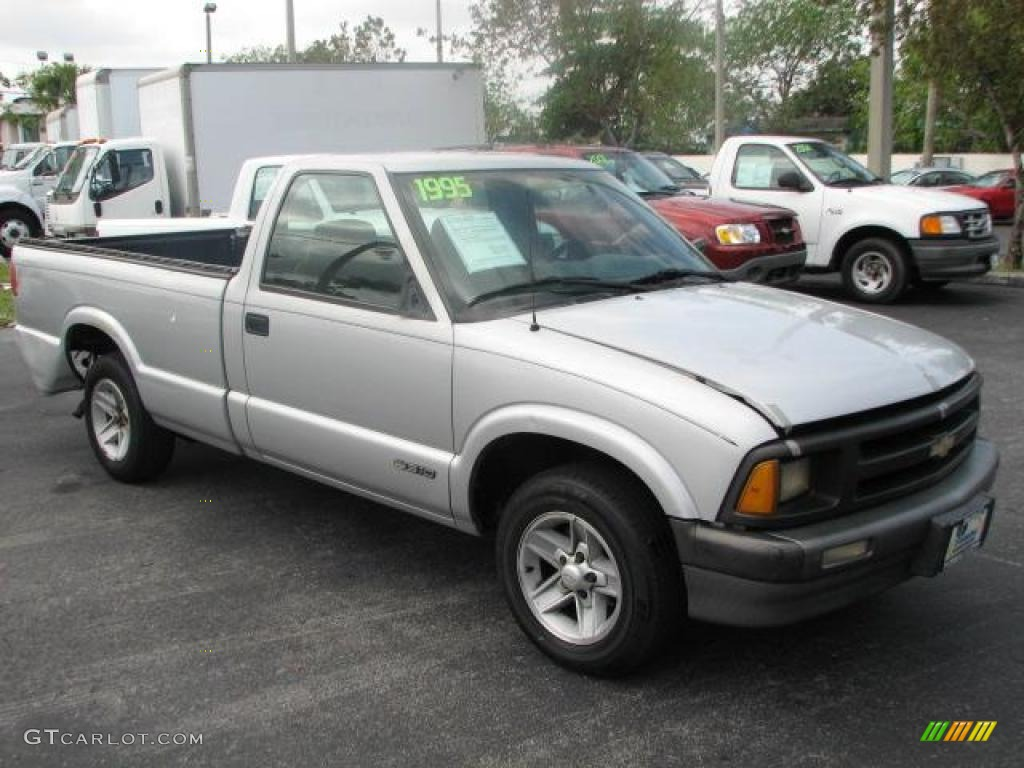 Silver metallic chevrolet s10