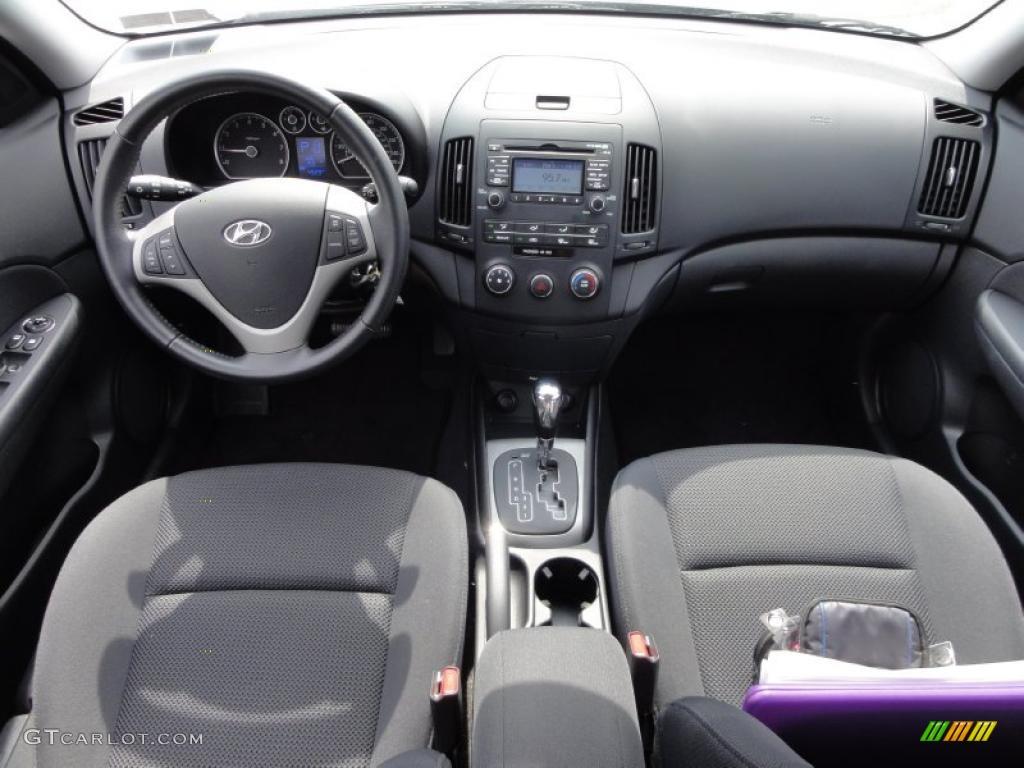 2009 hyundai elantra touring black dashboard photo 47555282