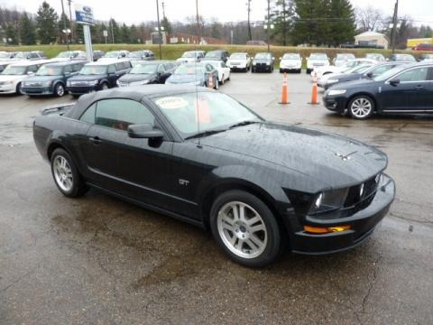 2005 ford mustang gt premium convertible data info and. Black Bedroom Furniture Sets. Home Design Ideas