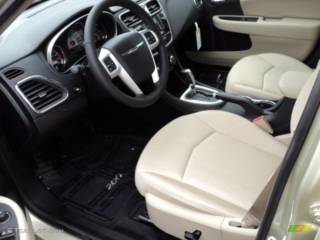 Black light frost beige interior 2011 chrysler 200 touring photo 47625623 for 2016 chrysler 200 interior lights