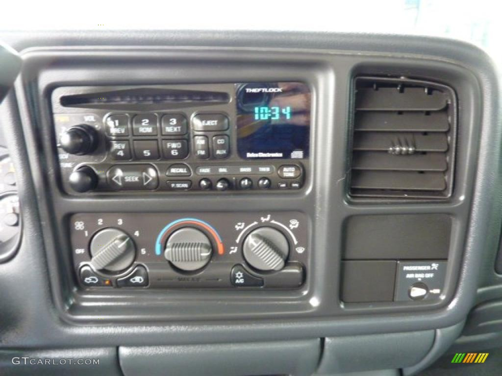 2000 Chevrolet Silverado 1500 LS Extended Cab 4x4 Controls Photo #47636947