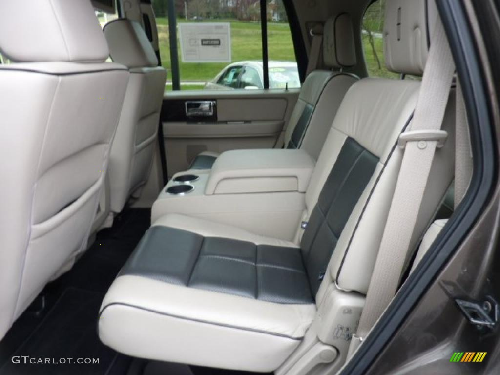 on 2014 Lincoln Navigator