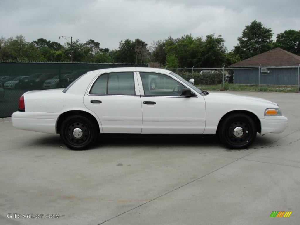 vibrant white 2007 ford crown victoria police interceptor exterior photo 47769717. Black Bedroom Furniture Sets. Home Design Ideas