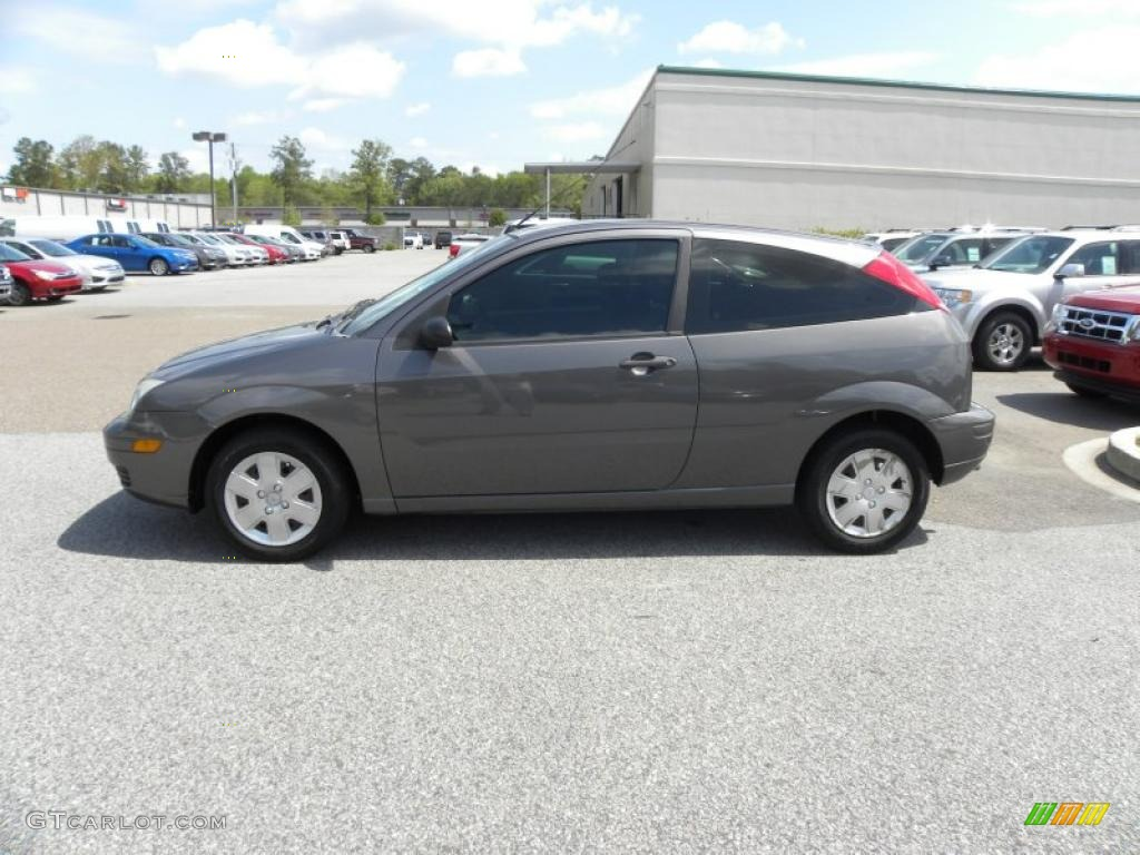 Liquid grey metallic 2006 ford focus zx3 ses hatchback for Ford focus 2006 interieur