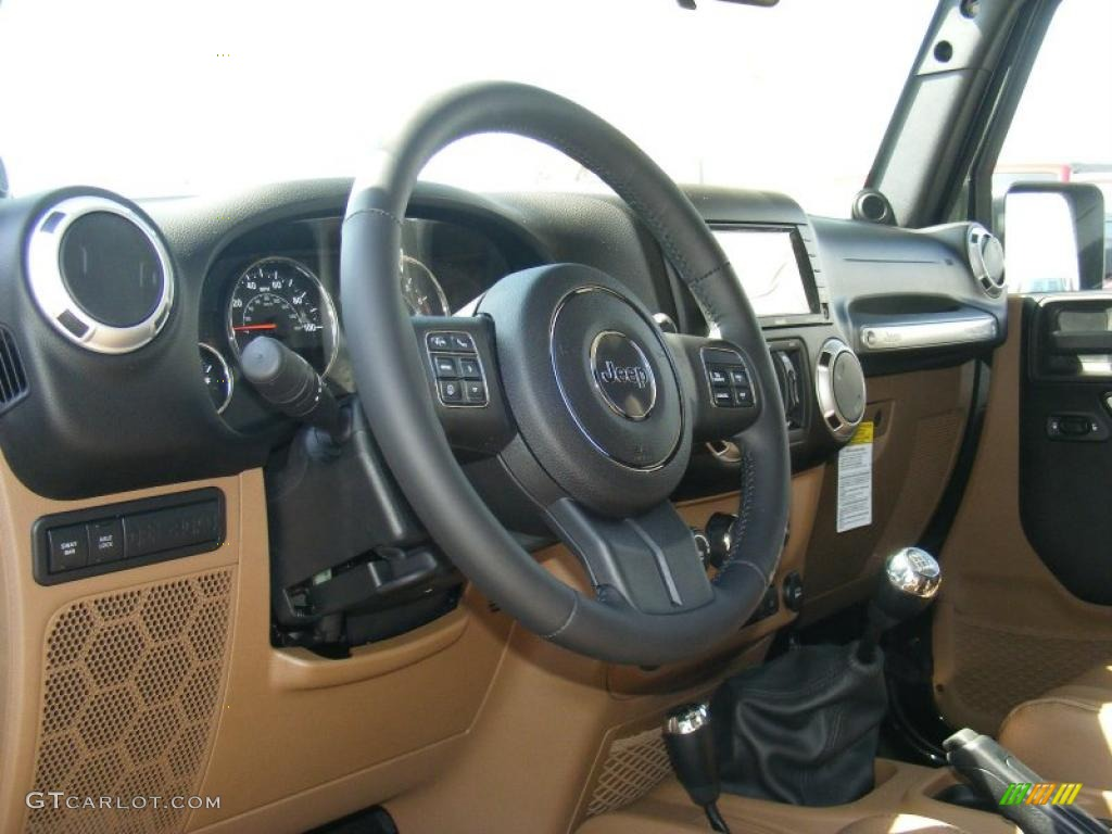 2011 Jeep Wrangler Unlimited Rubicon 4x4 6 Speed Manual Transmission Photo  #47789565