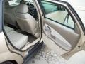 Neutral Beige Interior Photo for 2005 Chevrolet Malibu #47835141