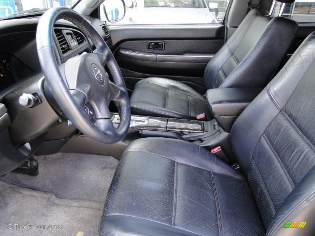 Charcoal Interior 2004 Nissan Pathfinder Le Platinum Photo 47849729