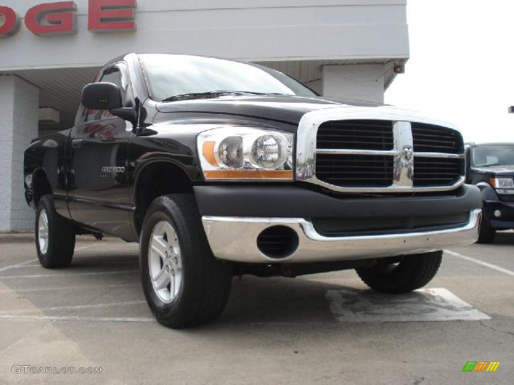 2006 Ram 1500 ST Regular Cab 4x4 - Black / Medium Slate Gray photo #1