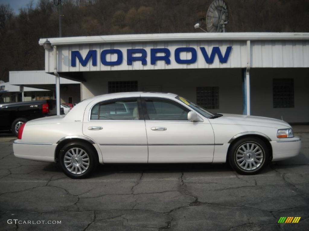 2003 White Pearl Lincoln Town Car Signature 47866744 Gtcarlot Com