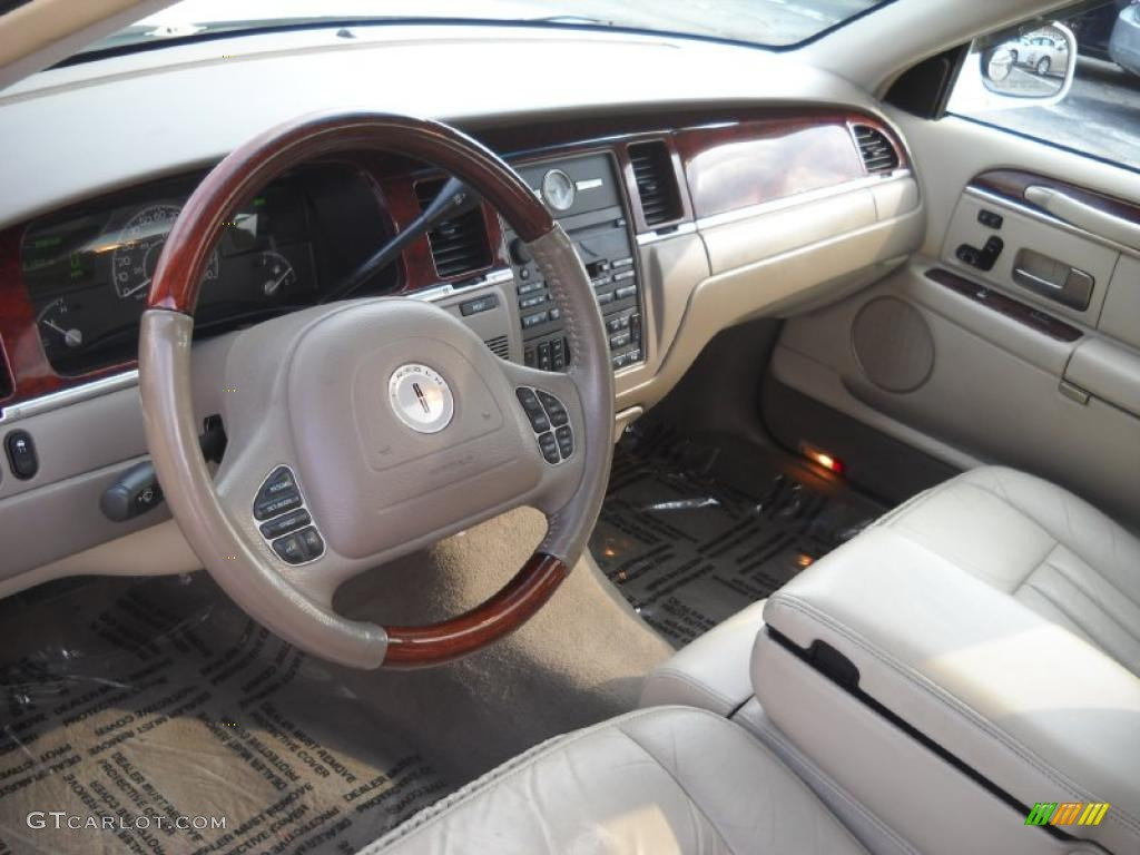 2003 white pearl lincoln town car signature 47866744 photo 7 car color galleries. Black Bedroom Furniture Sets. Home Design Ideas