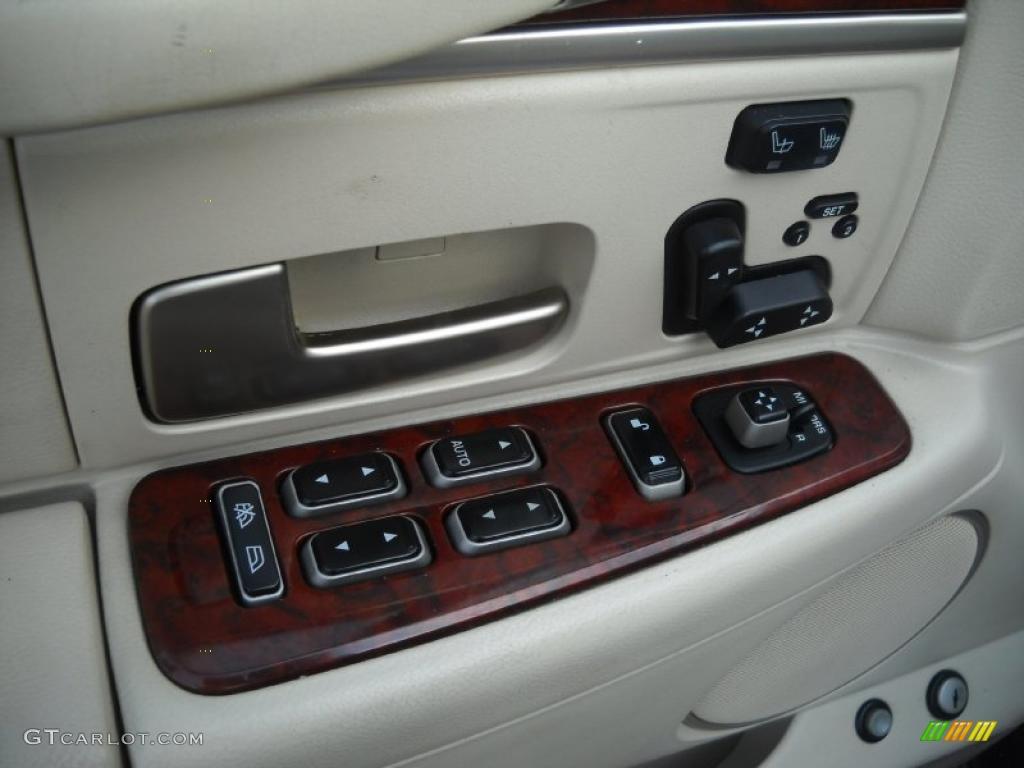2003 Lincoln Town Car Signature Controls Photo 47880236 Gtcarlot Com