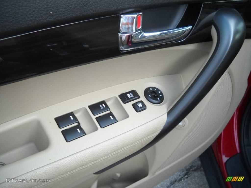 2011 Sorento LX AWD - Spicy Red / Beige photo #21