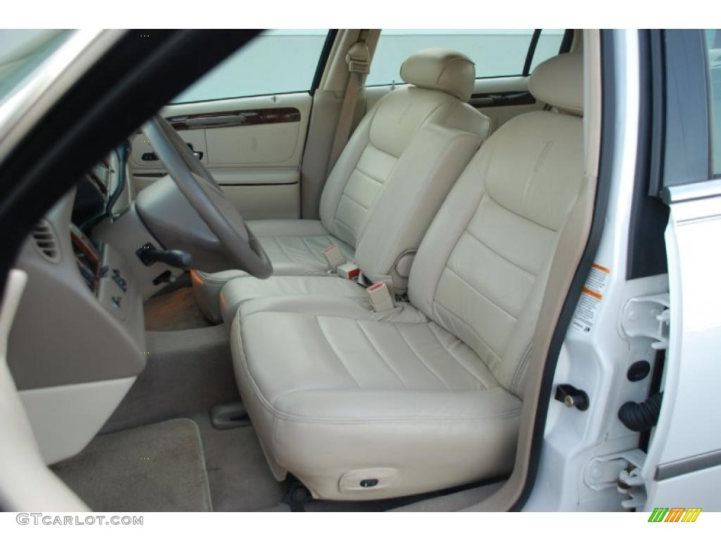 2002 lincoln town car executive interior photo 47903150. Black Bedroom Furniture Sets. Home Design Ideas