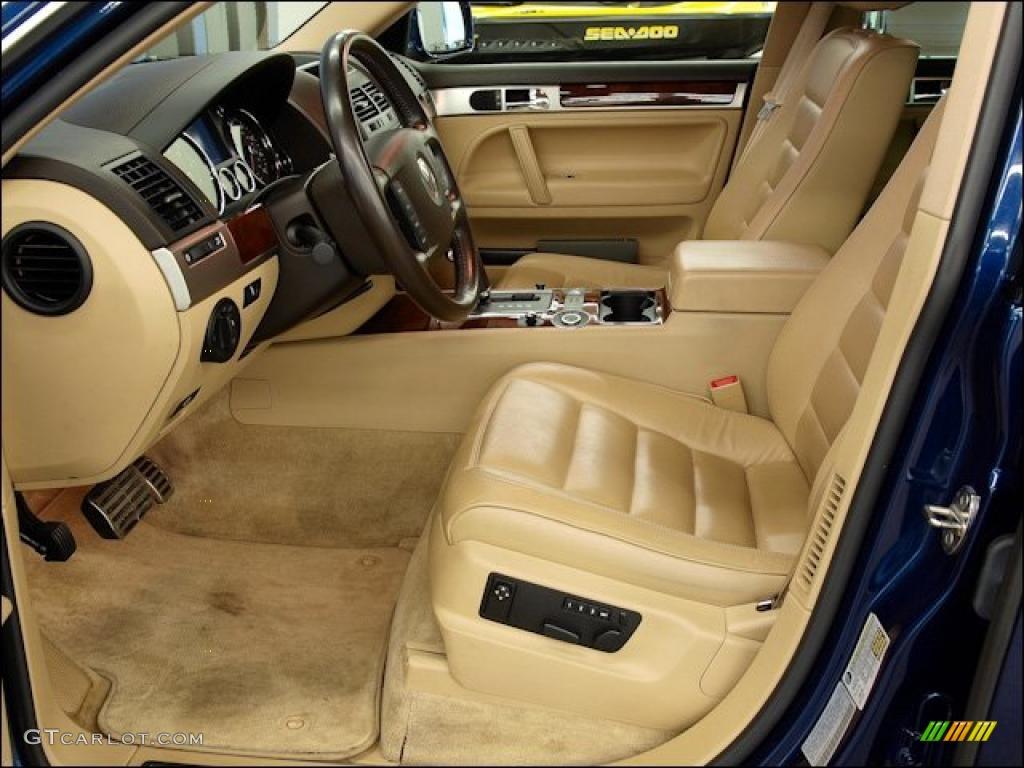 Pure Beige Interior 2004 Volkswagen Touareg V8 Photo 47962800