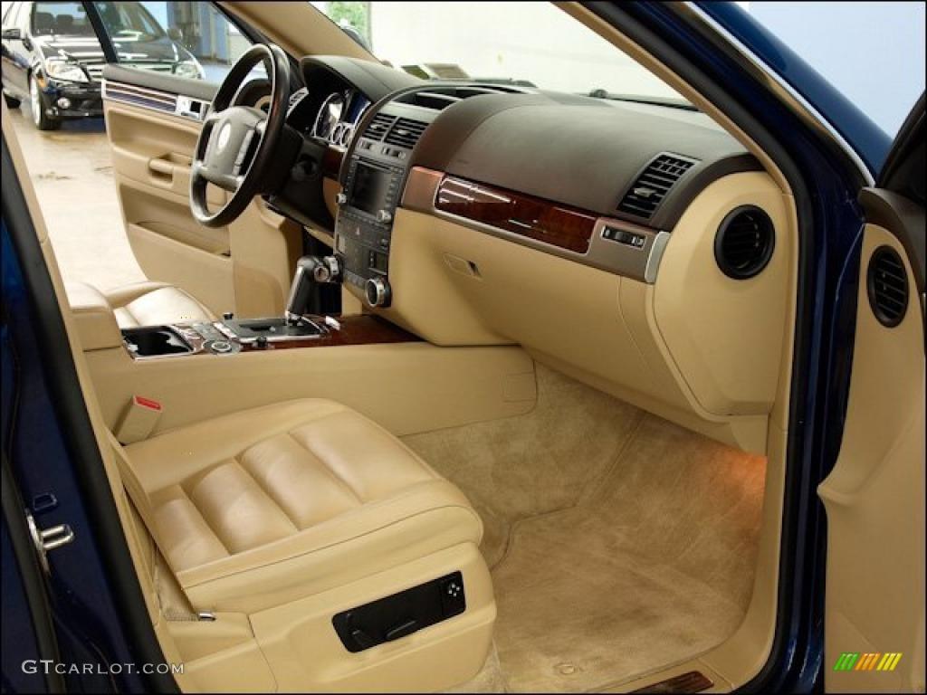 Pure Beige Interior 2004 Volkswagen Touareg V8 Photo 47962815