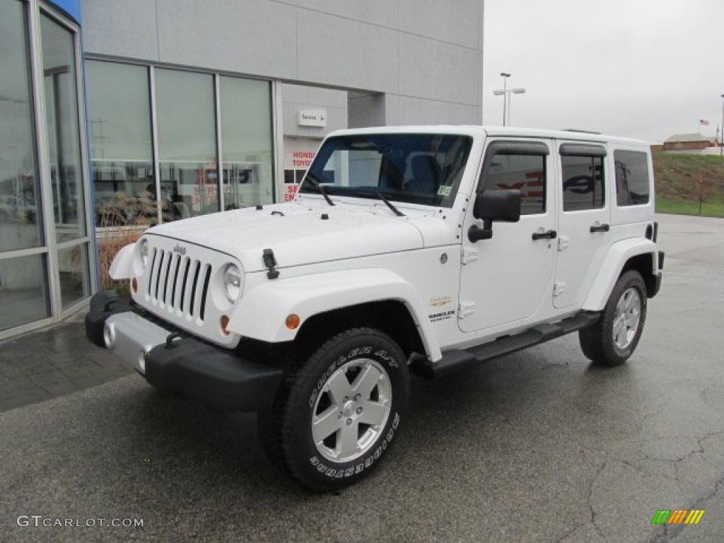 Bright White 2015 Jeep Wrangler Unlimited Sahara 4x4