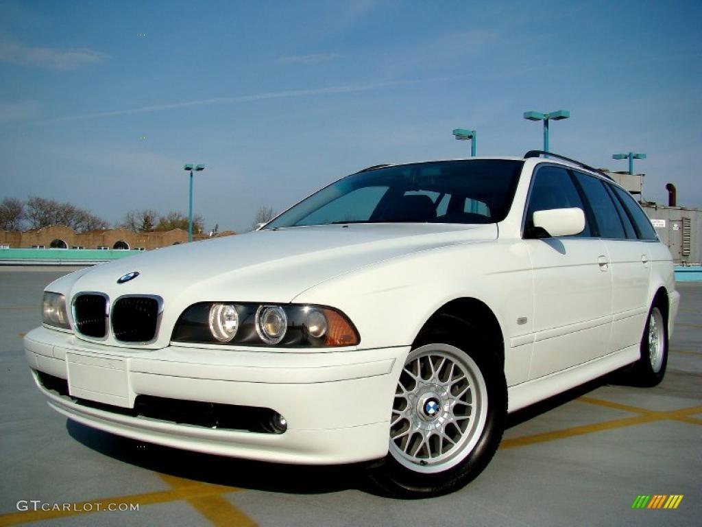 Alpine White BMW 5 Series