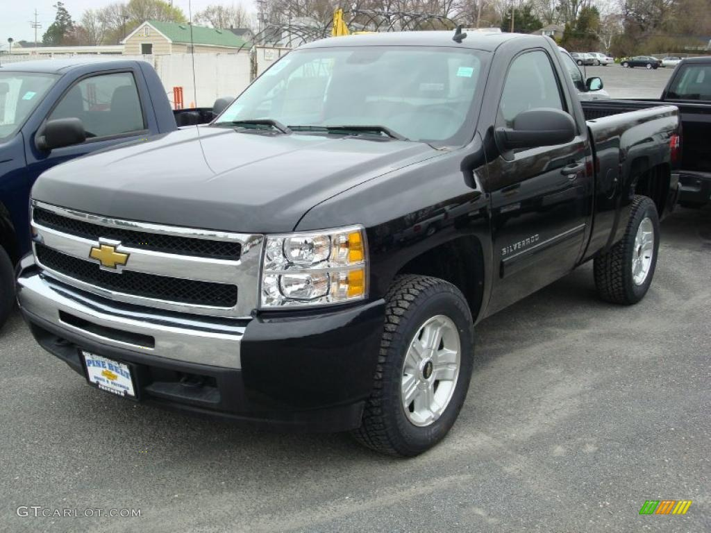 2011 Silverado 1500 LT Regular Cab 4x4 - Black / Ebony photo #1