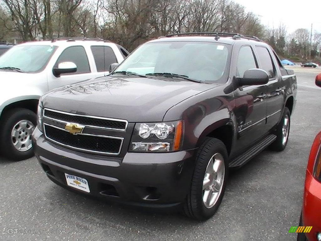 2011 taupe gray metallic chevrolet avalanche ls 48099607 car color galleries. Black Bedroom Furniture Sets. Home Design Ideas