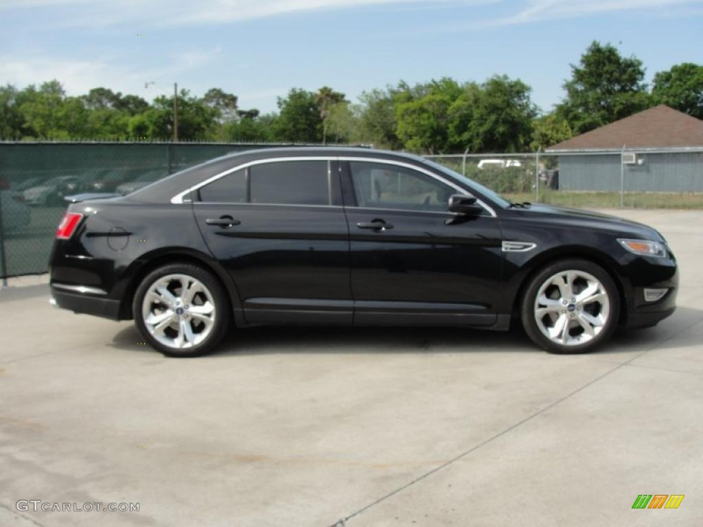 Car Picker  black ford Taurus