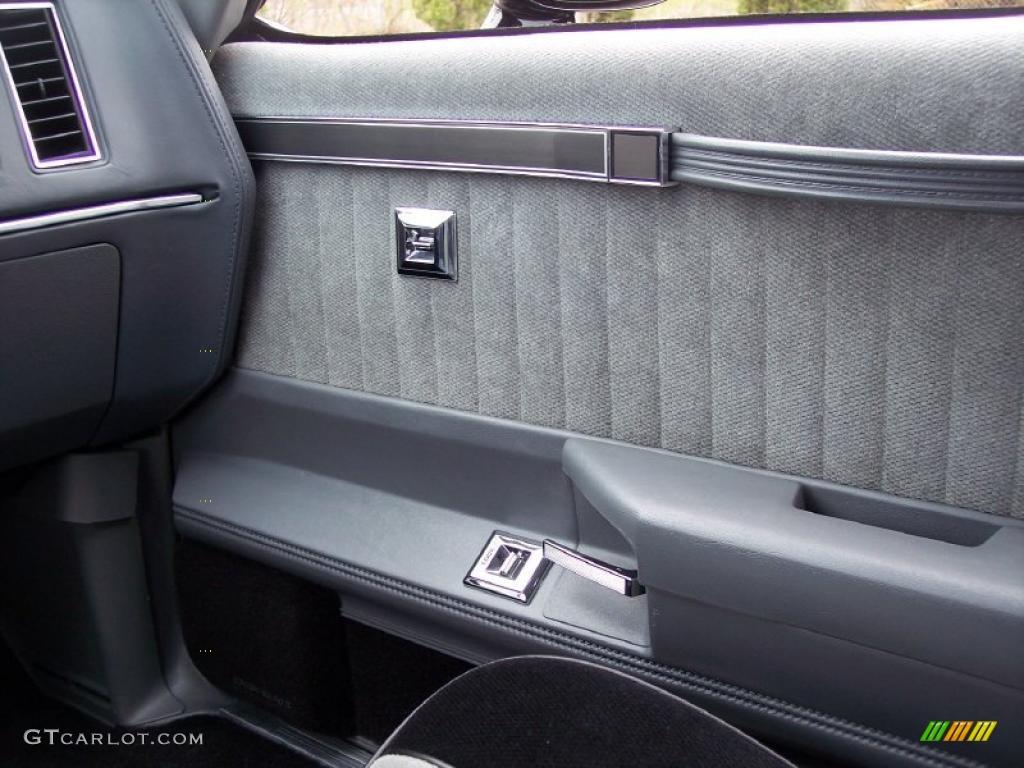 1987 Buick Regal Grand National Black/Gray Door Panel Photo #48155240 & 1987 Buick Regal Grand National Black/Gray Door Panel Photo ...